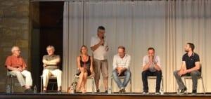 Patrick-gardes-maire-castelnau-présentant-les-conférenciers-MFP-DSC_0044